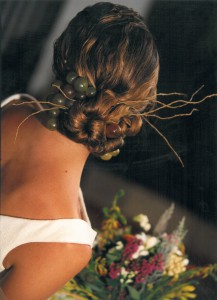 recogido novia con tocado campestre