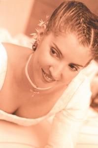 peinado novia  con tocado de espigas y cristal
