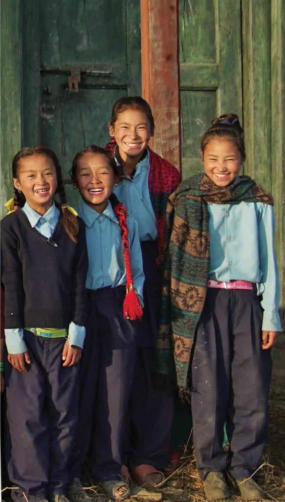 niñas nepalís proyecto aveda
