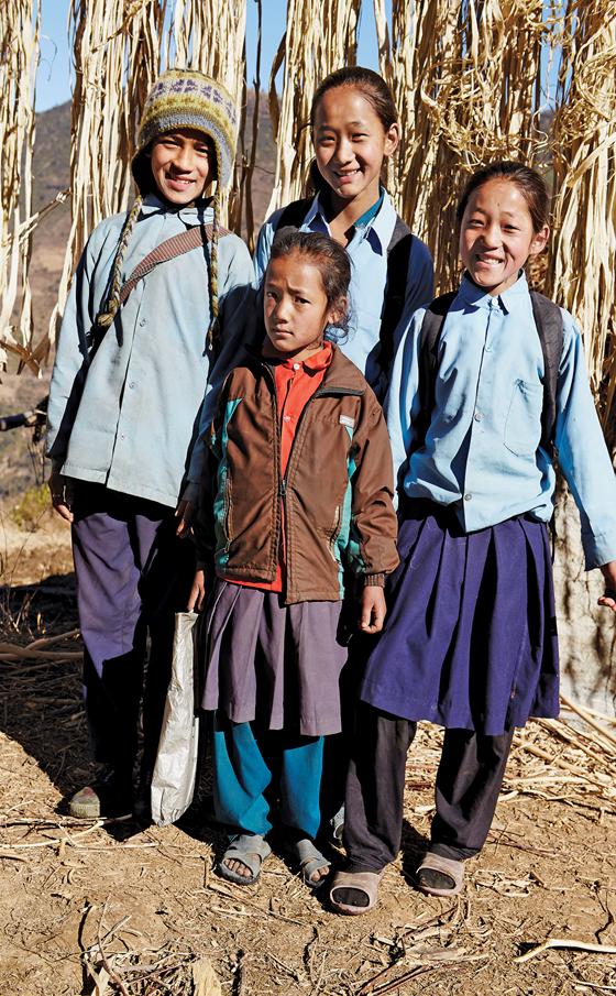 niños de nepal navidad de aveda