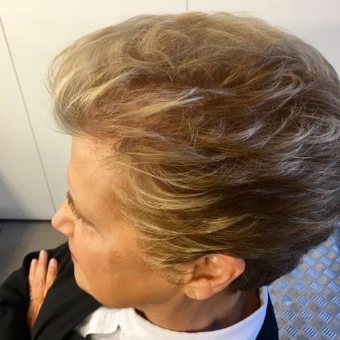 mechas en cabello corto